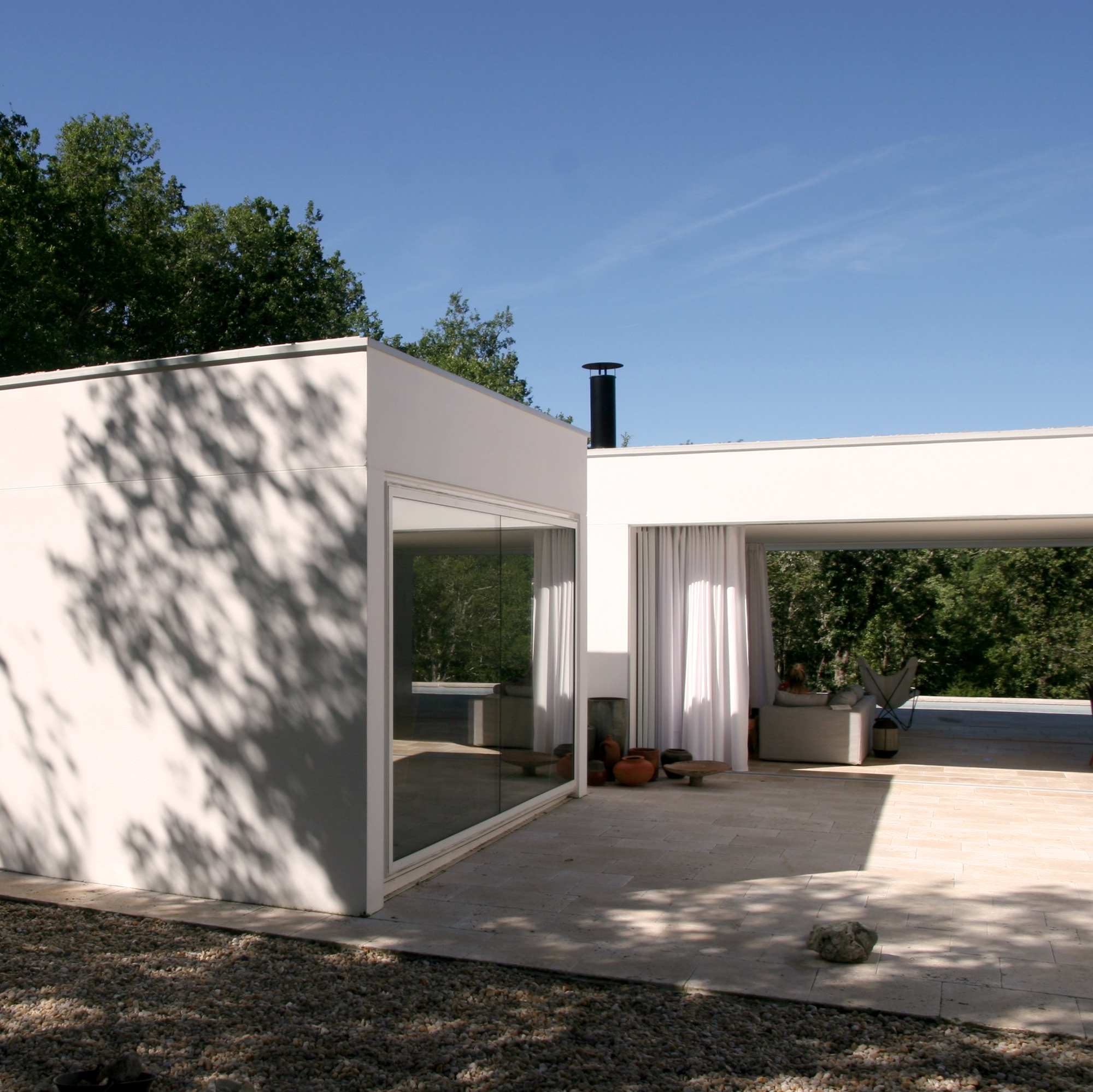 House G, Escamps, France - Image 4