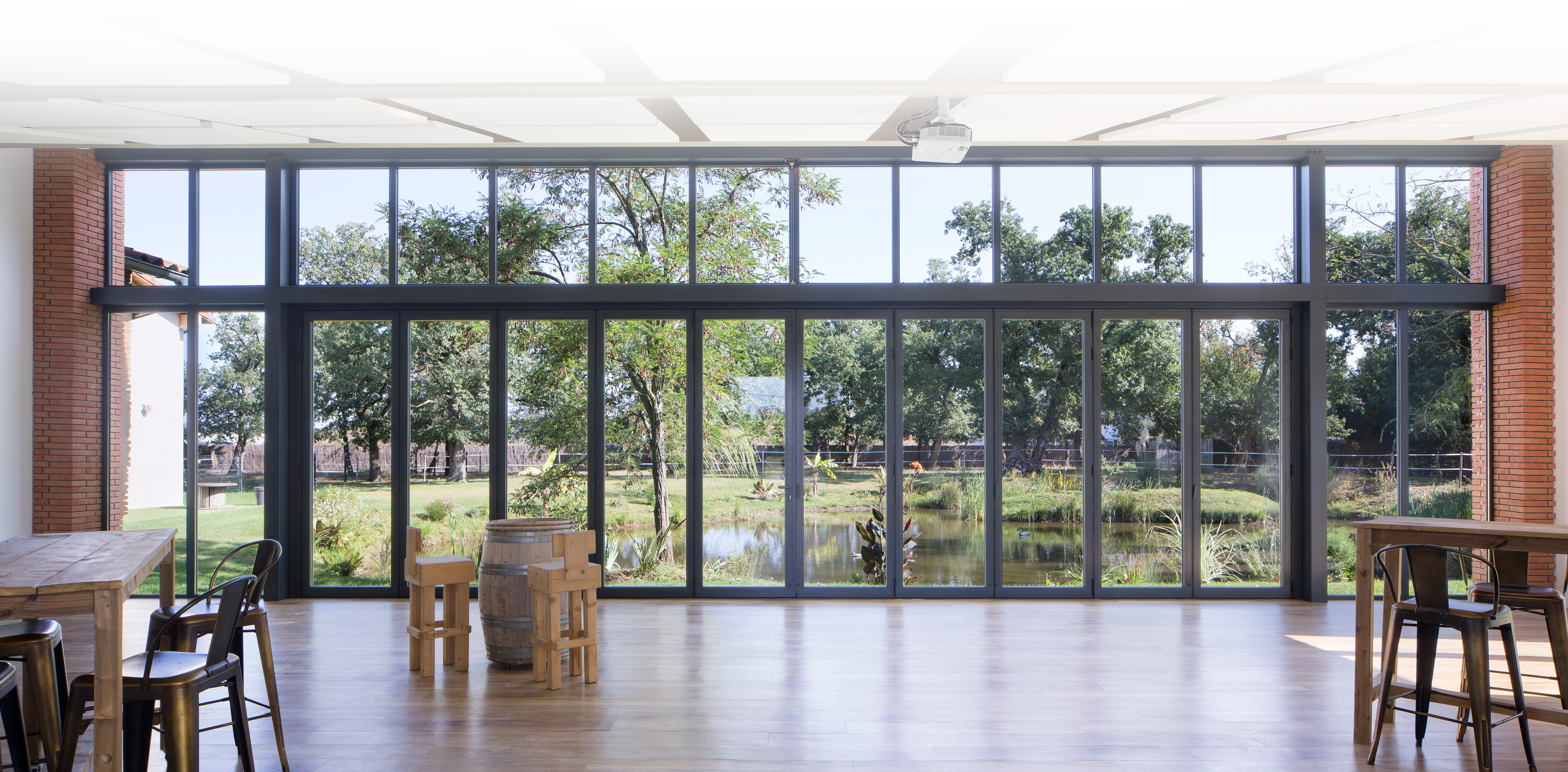 AMBIAL THE MULTI-SPACE FOLDING DOOR
