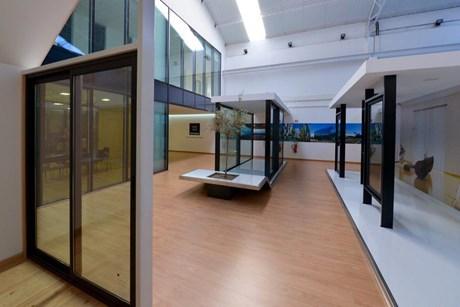 3ee575bb1dd Showroom Technal Lisboa