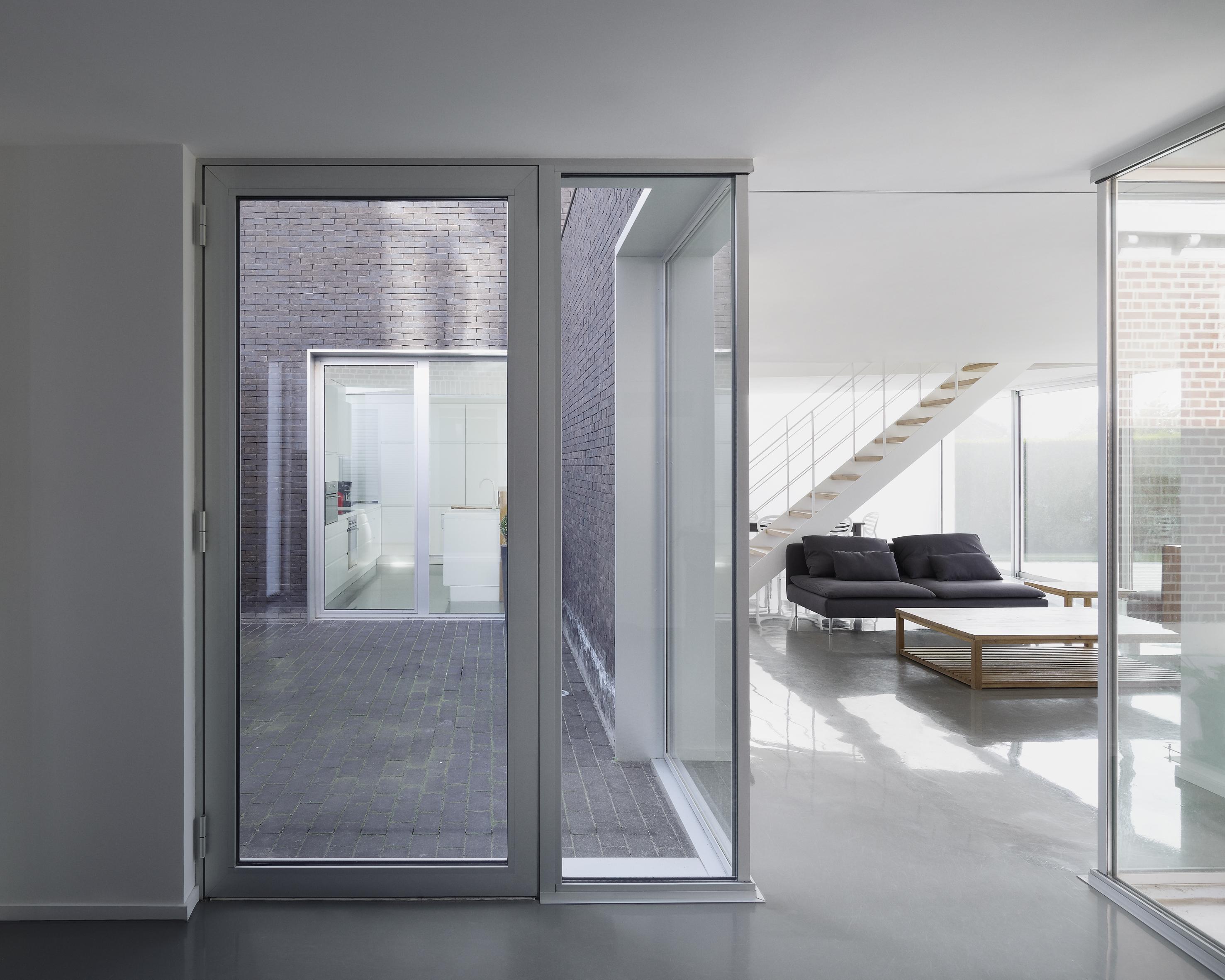 Menuiserie aluminium technal for Porte de service en aluminium