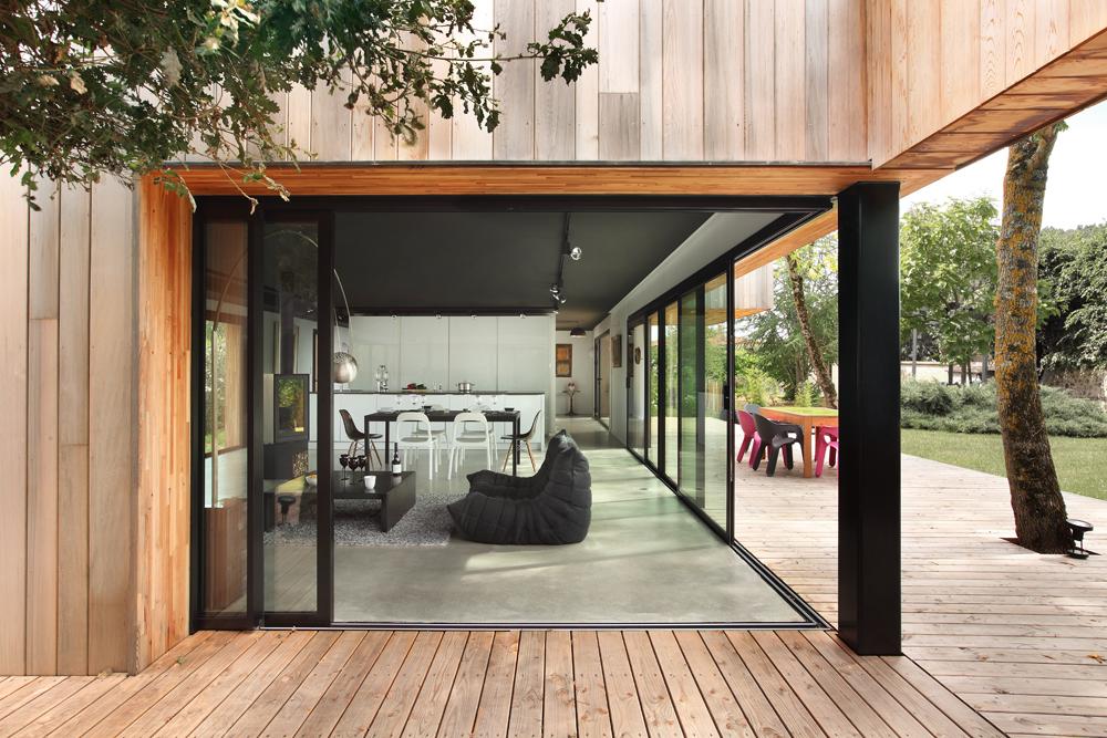 une cabane perch e dans les arbres inspirations neuves technal. Black Bedroom Furniture Sets. Home Design Ideas